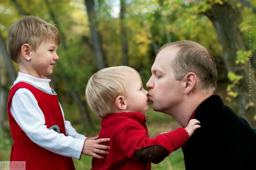 Dad-Kiss-denver-Photography